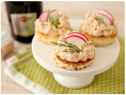 【レシピ】おもてなしにぴったんこ! シャレオツ&激ウマな軽い1品「ハーブサーモントースト」の作りかた♪