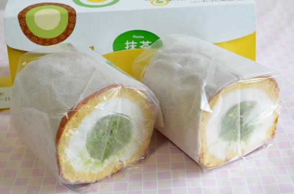 Twitterで話題の長野県・胡蝶庵「胡蝶ロール」を食べてみた / とろとろの生大福をふわふわのスポンジで巻いたロールケーキなの♪