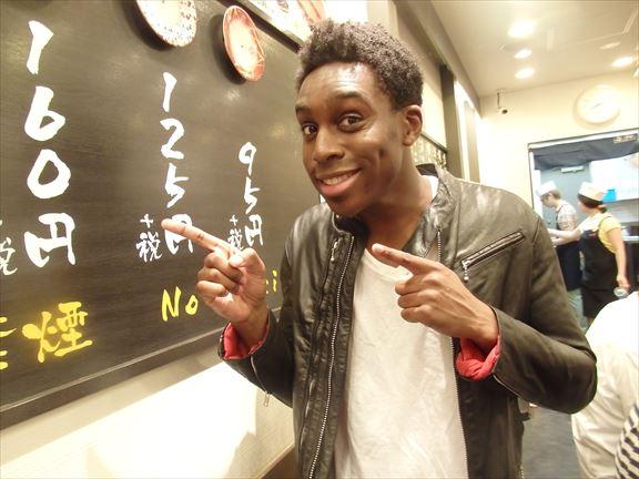 【豆知識】お寿司が大好きな外国人に絶対に言っちゃいけない言葉「海苔って実は……」 / 外国人とお寿司を食べて実験