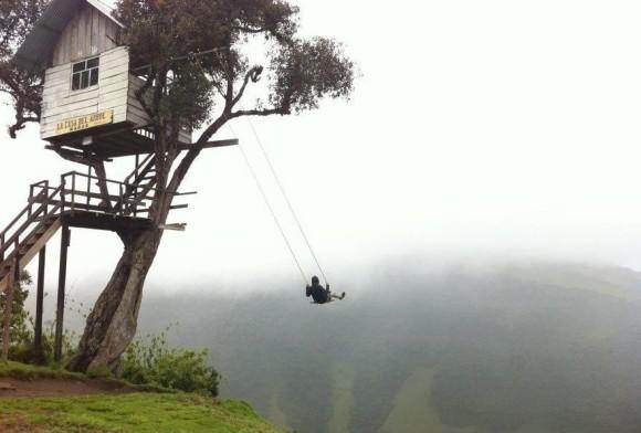 「アルプスの少女ハイジ」になれるブランコがエクアドルに存在した!! 海抜2600mの山の上から死ぬ気のスウィングを楽しめちゃうよ☆
