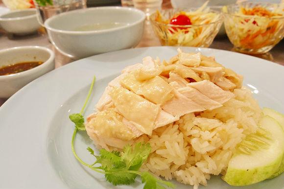 【一足お先に実食レポート】気になる本場との違いは? 7月11日(金)渋谷にオープン・タイの超人気鶏メシ屋『ガイトーンTOKYO』の味