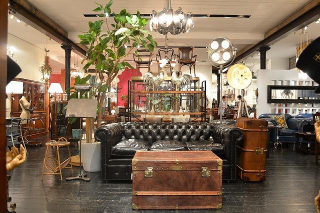 【アンティーク好きに朗報】英国発のアンティーク家具ショップ「ロイズ・アンティークス青山」が3日間限定セール中だぞ!