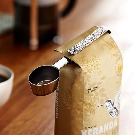 【素敵なスタバグッズ】これは便利! スタバ開発した計量スプーンがクリップになった「コーヒー専用クリップスプーン」