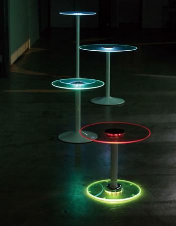 いつものお部屋を一転、超ムーディーに演出! 宝石のごとく幻想的に光り輝く「照明×家具」おしゃれテーブルを発見