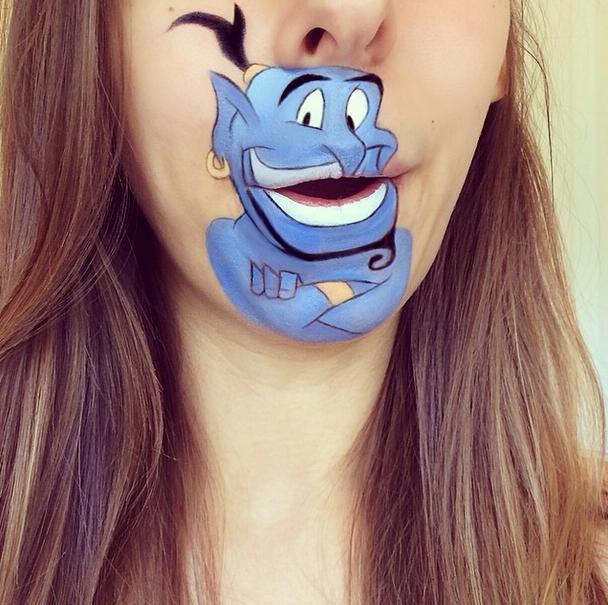 ディズニーキャラの表情がイキイキ豊か! 口元に人気キャラクターを次々描く「リップアーティスト」