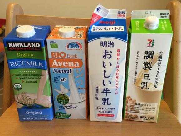 牛乳の代替品となるか!? 米、アーモンド、オート麦、大豆…いろんな「ミルク」を飲み比べてみた!