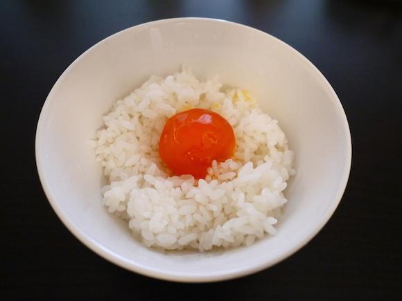 【卵かけご飯ラバー必見】いくら級に濃厚な黄金色に輝く「味噌漬け卵黄」! 材料2つ&二晩でできちゃうよ!