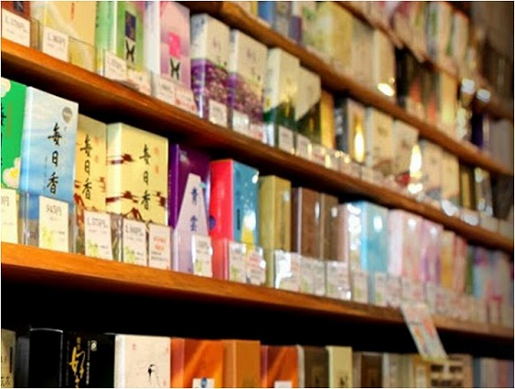 銀座に触って試せるお香専門店「香源香カフェ」がオープン / お香とか香木とかお線香とかが4000種類以上も揃うんだって!!!