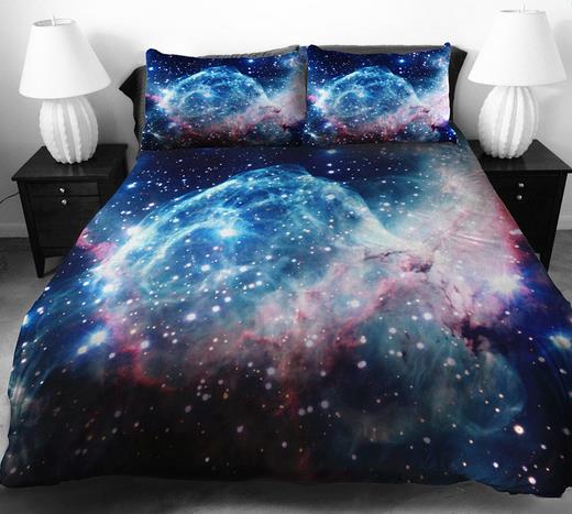 宇宙遊泳気分でぐっすり~♪ 壮大な宇宙モチーフのベッドカバーがステキ!!