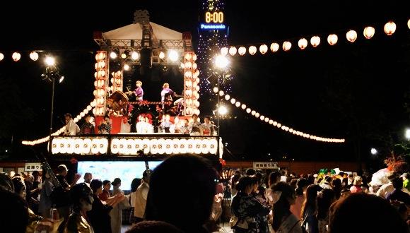 【女子の札幌ひとり旅】バカ殿、アナ雪にマレフィセントも踊る! 北国の夏を満喫する「さっぽろ 夏まつり」最終日の盆踊りが楽しすぎたでござる