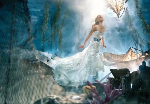 「アナ雪」エルサの新作ドレスも登場!! ディズニープリンセスをイメージした純白のウェディングドレスの数々が美しすぎる!