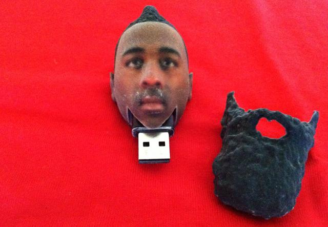 【これいいな】おヒゲがスポッと取れる! 3Dプリンタで作られた名物NBA選手の顔型USBメモリ
