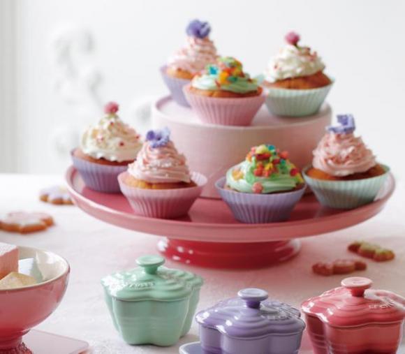【かわいい】ル・クルーゼのケーキ・スタンドがおしゃれでかわいいっ