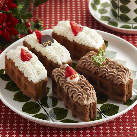 ふわふわ生地ともこもこクリーム♪ かわいくって食べやすいふたくちサイズのワッフルクリスマスケーキ!!
