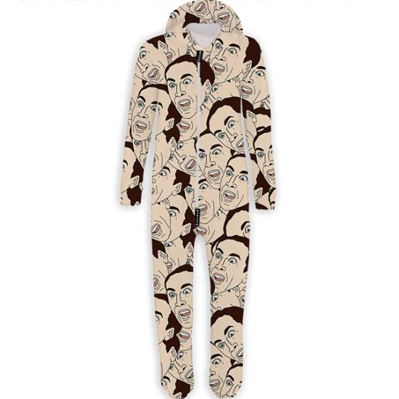 ニコラス・ケイジの顔が全面にプリントされた全身パジャマを発見! 超絶クレイジーなウェアしか置いていないネットショップ