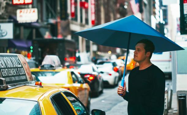 【日本経由NY発】骨のない傘が「とってもエレガント」と話題に!!