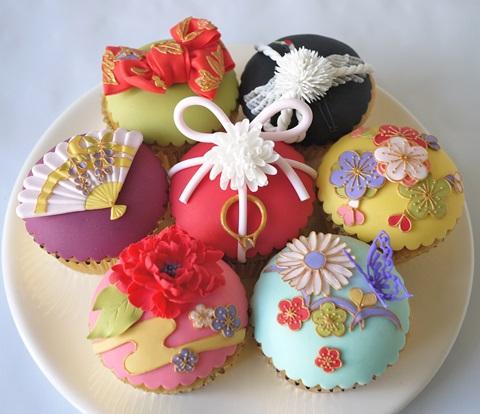【ジャパンクオリティ】 日本人シュガーアーティストが作る優美で繊細な「日本風アイシングカップケーキ」は本場イギリスを越える!!