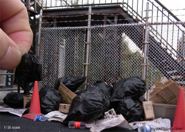 """【超絶リアル】日本人が作ったジオラマの「ゴミ捨て場」に海外ネットユーザーが物議!  """" どう見ても合成だろ! """""""