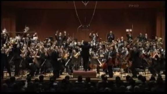 えっ、マジで? こんな楽しいオーケストラがあるなんて! 『シモン・ボリバル・オーケストラ』は革命の音楽!