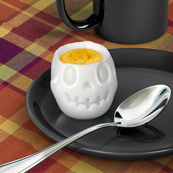 【恐怖の食卓】ガイコツの脳みそを食べているみたいになる「ゆで卵の型」