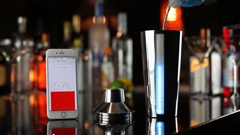 【本格的宅飲み】スキルも計量カップも不要!アプリ連動のカクテルシェイカー「B4RM4N(バーマン)」でバーテンダー気分♪