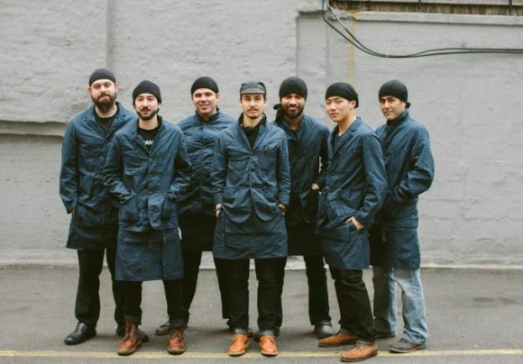 これが制服だと…!? ニューヨークの「一風堂」がメンズブランド「エンジニアードガーメンツ」とコラボした店員ユニフォームが斬新でスタイリッシュ!