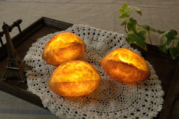 おいしそうなパンからこぼれる温かな光…お腹はふくれないけど心を満たしてくれそうなランプ、「パンプシェード」