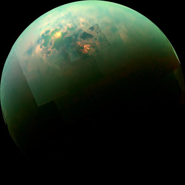 湖に反射する太陽光がまばゆい! NASA土星探査機「カッシーニ」がとらえた美しき衛星「タイタン」