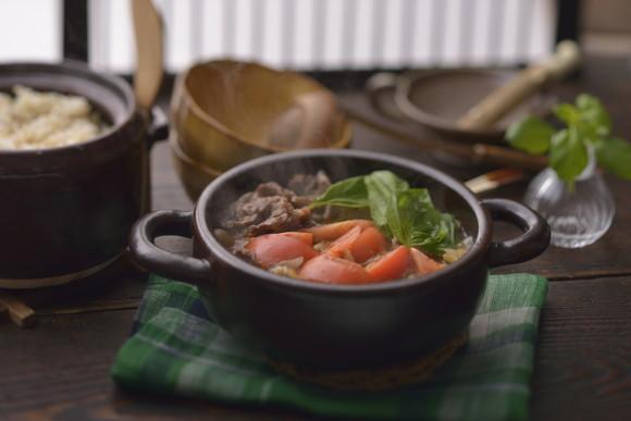 【肉食推進委員会】元祖肉食女子が考えた、冬の肉レシピ! 洋風すき焼き&大麦入りハンバーグでワインがすすみ過ぎる予感!