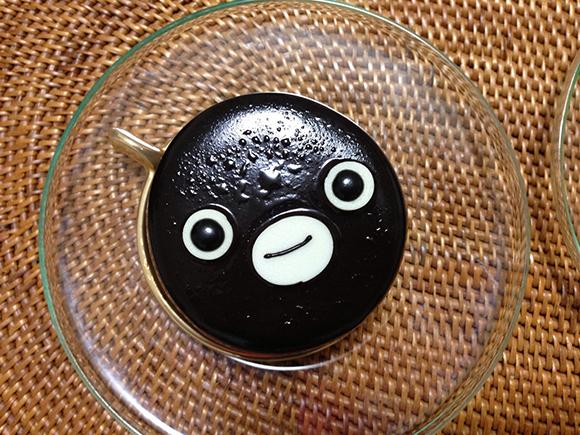 「Suicaのペンギン」のケーキに期間限定「ショコラ&フランボワーズ」味が発売中! 池袋のホテルメトロポリタンにて