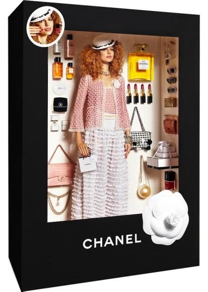 雑誌『Vogue Paris』の企画でモデルがリアル・バービー人形に! シャネルやディオールなどハイブランドの服を颯爽と着こなしててステキ!