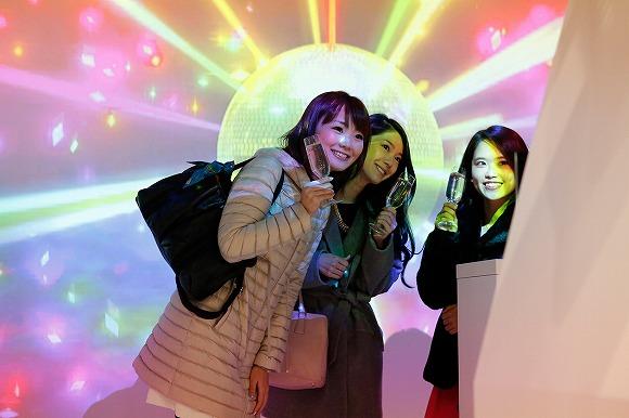 【女子限定】カンパイすると魔法にかかっちゃう♪ カフェ・ド・パリの「プロジェクションマッピング体験」イベントが素敵すぎッ!