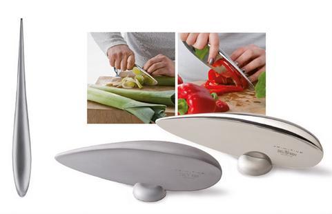 プリミティブなのにスタイリッシュ! 手になじむ感触が好ましい丸々つるんとしたナイフ