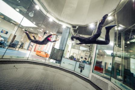 屋内でスカイダイビングを楽しめちゃう! 室内で宙を舞うことができる新施設が2016年日本初上陸