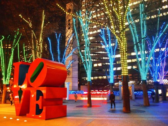 【にっぽんのQ&A】どんなアイデアがあるの? クリスマスをひとりでもさみしく感じずに過ごす方法を教えて!!