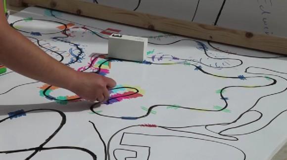 色をデータとして解釈&音を奏でるミニチュアロボット「Looks Like Music」がすんごい! パートごとに多数ラインアップされているよ