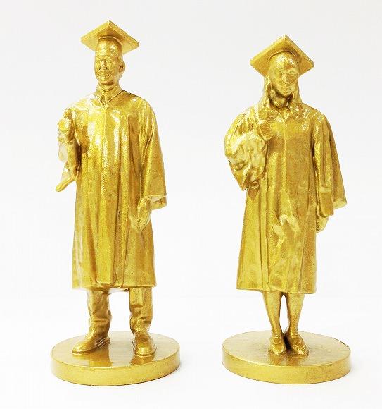 【発想がすごい】「東大生3Dフィギュアお守り」が付いた東大合格祈願の法要をするお寺があるらしい! 金色で桐箱入り!