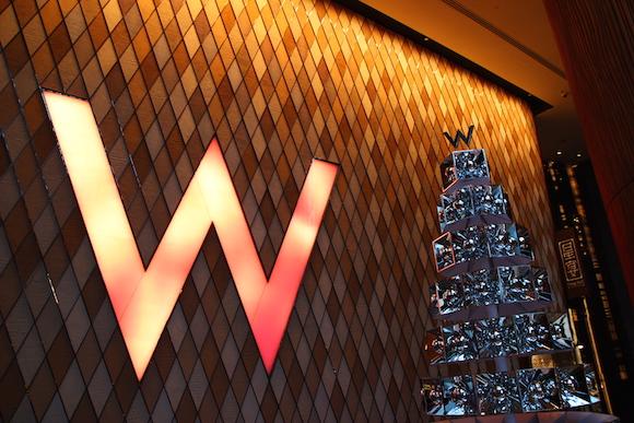 都会派ゴージャスなホテル「W 香港」がノリノリでかっこいい! 駅直結でそこから飛行機チェックインも可能で便利!