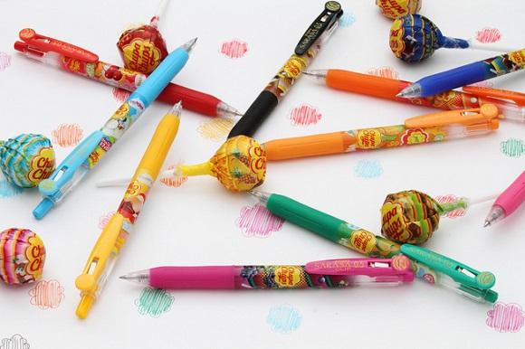 ゼブラとコラボしたチュッパチャップスのペンが激カワ! ジューシーな香りに思わずなめてみたくなるかも!?