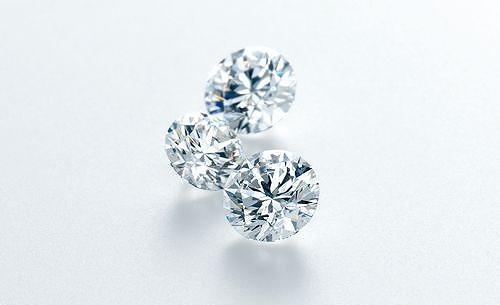 こんなプロポーズ、ロマンチックすぎるやろぉ~♪ ヒルトン福岡シーホークのバーが「ダイヤモンドの粒入りカクテル」を販売!