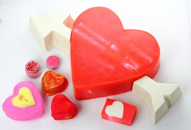 【期間限定】恋する季節に使いたい♪ オンナ度がレベルアップしそうな「LUSH」のバレンタイン・コレクションが登場です!