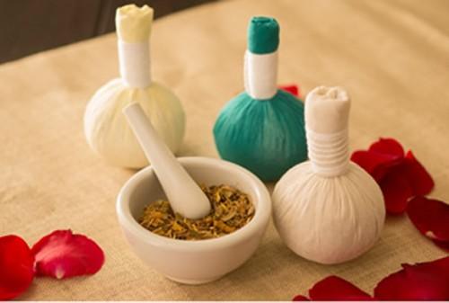 【癒し】タイ古式マッサージの「ハーブボール」発売〜! 自宅で手軽にタイ伝統オーガニックエステが楽しめちゃうよ♪