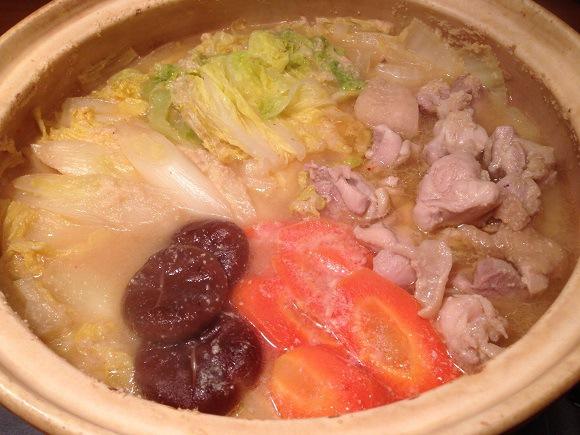 【寒い日に食べたい】石川県民の定番鍋! お味噌の深〜い味わい「とり野菜鍋」を作ってみた!