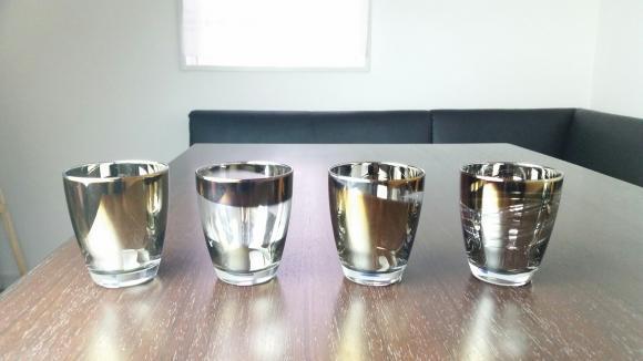 飲み物で色が変わる!? 宝石のようにキラキラ輝く「ジュエリー・グラス」発売