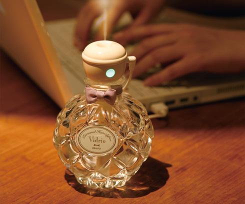 優雅な気分で潤っちゃお!! 香水みたいなガラスボトル型の加湿器