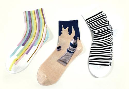 文化服装学院の学生が「靴下屋」の靴下をデザイン! 投票で選ばれた上位3作品が販売される