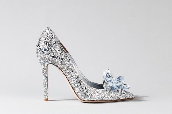 本当に買える! 映画『シンデレラ』公開を記念してジミー・チュウなどがガラスの靴をデザイン!