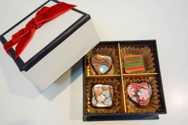 【本命にも使えるよ】ダイソーで売っている材料で作るとコスパも味も最高なバレンタインチョコが完成!