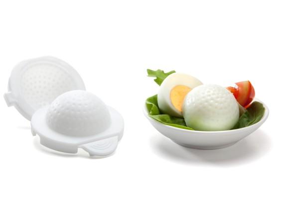 【ユニークお料理グッズ】ゆでたまごをゴルフボールやサッカーボール、テニスボールの形にできちゃう「エッグシェイパーズ」!
