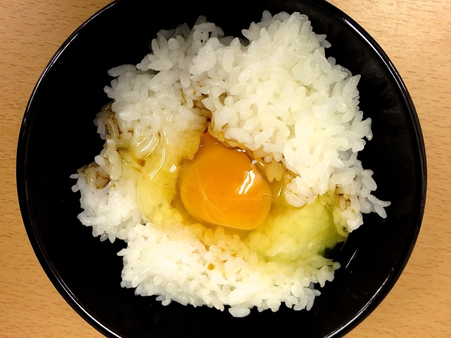 【超うまTKG】フワッとゆずの香り……高知の絶品タマゴ「ゆずたま」は冷やご飯さえ豪華に生まれ変わらせる!
